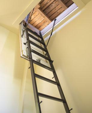 Bodentreppe mit Feuerschutz
